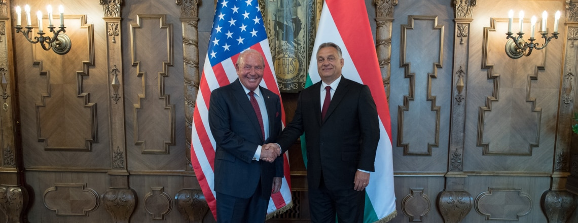 Cornstein nagykövet Orbán miniszterelnökkel találkozott
